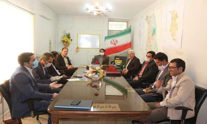 شهردار و معاونینش با حضور در شورای اسلامی شهر این روز را تبریك گفتند