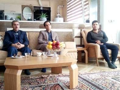 دیدار مدیرعامل شرکت آبفار کردستان از خانواده محترم فرزند شهید همکار در امور آبفار شهرستان بانه