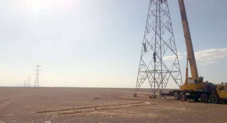 آغاز عملیات مونتاژ و نصب برجهای خط ابرکوه- اسمالون در یزد