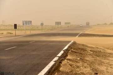 گرد و خاک استانهای خوزستان و ایلام را دربرمیگیرد