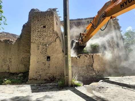 رفع خطر سه واحد بافت فرسوده در کوچه شهید قیصری
