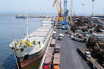حمل ریلی بیش از ۵ هزار تن کالای اساسی از بندر امیرآباد برای نخستین بار