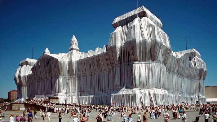 کریستو ولادیمیروف جاواچف دار فانی را وداع گفت؛ هنرمندی که آثار معماری را بسته بندی کرد