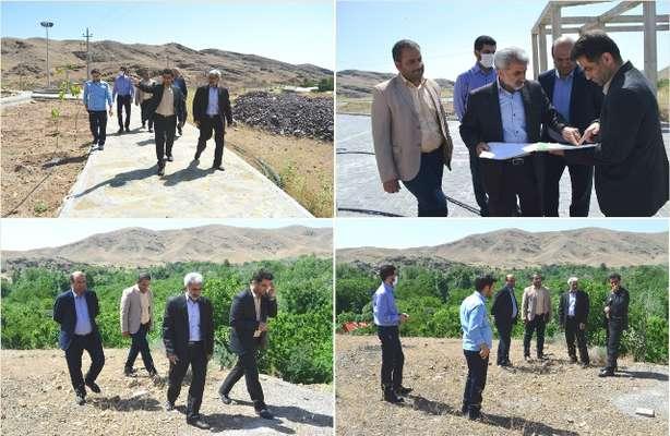 بازدید مدیرکل بنیاد مسکن استان قم از روستای قاهان