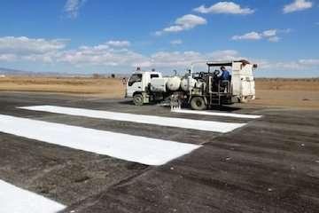 خط کشی فرودگاهها به طور مستمر انجام میشود
