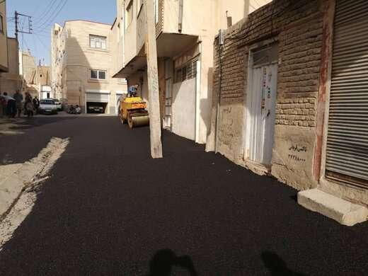 آغاز عملیات آسفالت ریزی کوچه میر حمیدی در خیابان شهید قره باغی