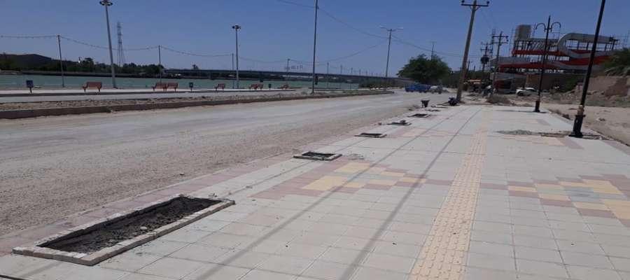 احداث باغچه های طولی در پیاده رو جدیدالاحداث بلوار ساحلی خرمشهر