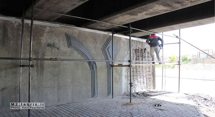 روند عملیات مرمت و بهسازی پل پیشقدم بررسی شد