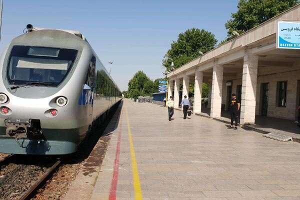 ایستگاه راه آهن قزوین باید به اداره کل ارتقا یابد