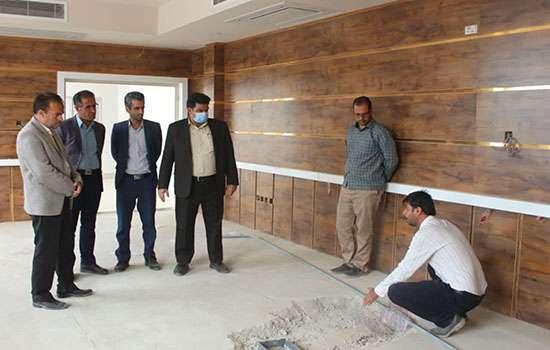 بازدید شهردار و رئیس شورای اسلامی شهر مهریز از ساختمان جدیدالحداث شهرداری مهریز