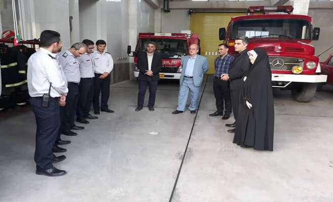 گزارش تصویری دیدار و گفتگوی رئیس و اعضای شورای اسلامی شهر  با آتش نشانان شهر رشت