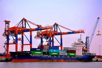 راه اندازی خط کانتینری یخچالی از مسیر دریایی بندر خرمشهر به کشورهای همجوار/ رشد۳۷۵ درصدی صادرات کالاهای کانتینری