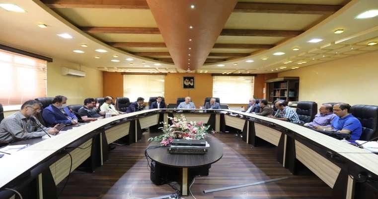 جلسه اعضای شورای اسلامی شهر رشت با مدیران قرارگاه خاتم الانبیا جهت بررسی مفاد تفاهم نامه های مد نظر