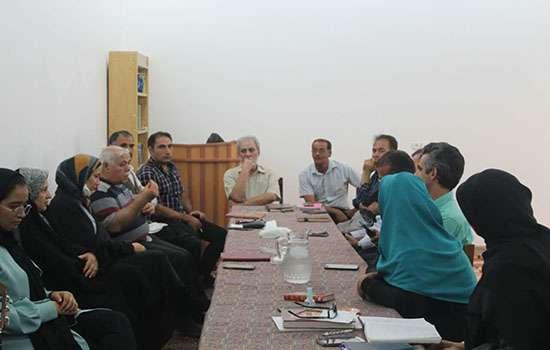 دیدار شهردار، رئیس و اعضای شورای اسلامی شهر مهریز با اعضای انجمن شعر و ادب باغ شهر تاریخی مهریز