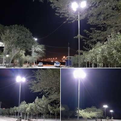 تامین روشنایی باغ رضوانِ آرامستان با نصب پایه های روشنایی توسط شهرداری خرمشهر