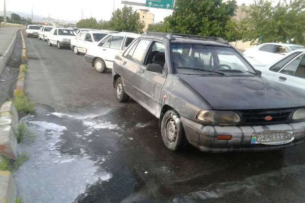 نشت بنزین ،خودروی پراید را شعله ور کرد
