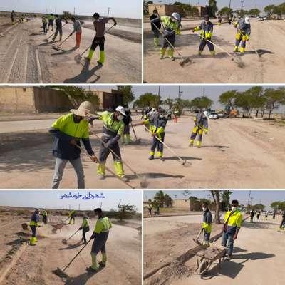 نظافت و پاکسازی عمومی باغ رضوانِ آرامستان با بیش از ۵۰ کارگر خدماتی شهرداری خرمشهر