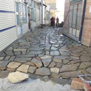 در راستای بهسازی و زیباسازی معابر، شهرداری تفرش اقدام به سنگ فرش کوچه های منتهی به بازارچه آهنگران نمود.
