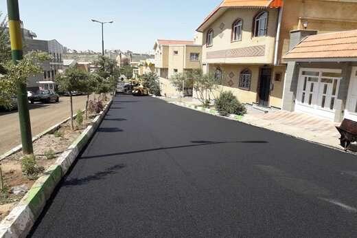 آسفالت ریزی اساسی خیابان گلستان در شهرک رشدیه با ۱۰ میلیارد ریال هزینه