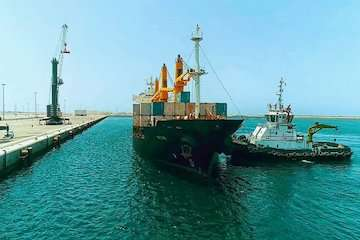 پهلوگیری پنجمین کشتی ترانزیتی هند به افغانستان در بندر شهید بهشتی چابهار