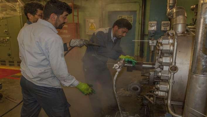 بازسازی قطعات فید پمپها در نیروگاه حرارتی شازند