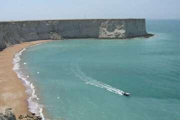 انتقال آب دریا تنها راه توسعه و آبادانی مکران