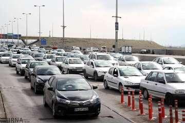 ترافیک سنگین در آزادراههای به سمت تهران