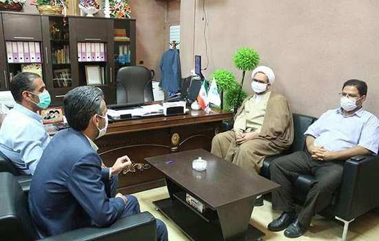 امام جمعه معزز مهریز با شهردار باغ شهر تاریخی مهریز دیدار و گفتگو کرد