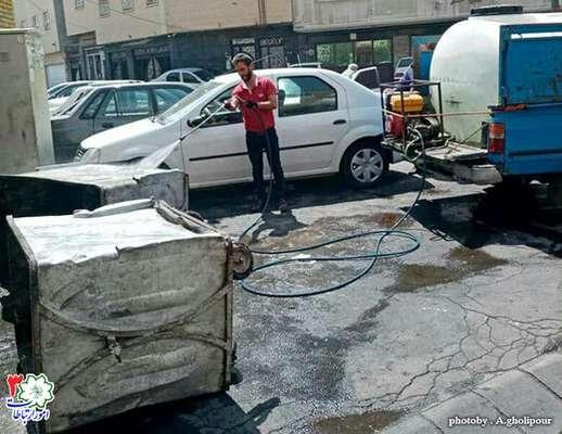 شستشو و ضد عفونی باکس های زباله در سطح منطقه سه