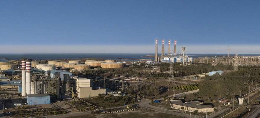 نیروگاه نکا همواره نماد کوشش و استقامت در صنعت برق است