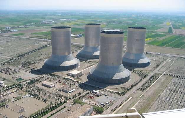 از سوی متخصصان نیروگاه شهید رجایی در حال انجام است؛ رفع نشتی از برج های خنک کننده اصلی