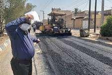 بازدید محمدرضا ایزدی از روند اجرایی اسفالت خیابان شریعتى