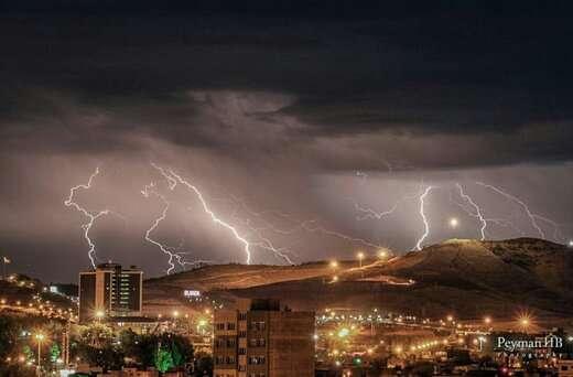 رگبار، رعدوبرق و وزش باد شدید در راه آذربایجانشرقی