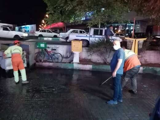 پاکسازی و رفع آب گرفتگی معابر منطقه ۶ توسط نیروهای خدماتی