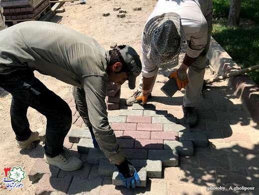 کف پوش های مسیر عابر پیاده در بلوار دفاع مرمت می شود