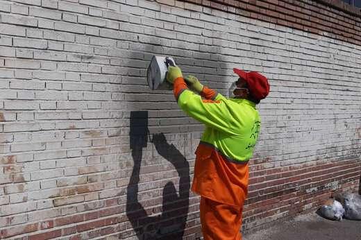 امحا دیوار نویسی های مسیر دروازه تهران