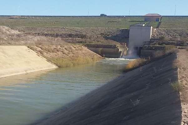 رهاسازی آب سد بوستان/مردم از نزدیک شدن به رودخانه ها خودداری...