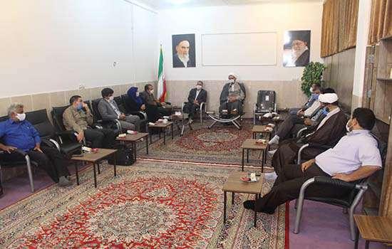 تقدیرشهردار و اعضای شورای شهر مهریز از امام جمعه شهرستان مهریز