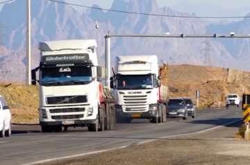 کاهش ۳ درصدی ترددهای برون شهری نسبت به روز قبل/ محدودیت تردد در ۲۴ محور تهران و مسیرهای منتهی به آن