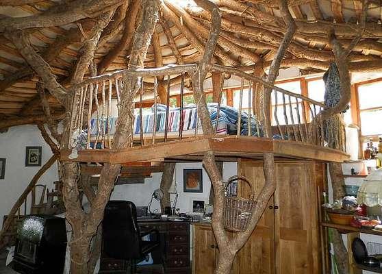 ساخت خانه ای به سبک هابیت ها در ولز