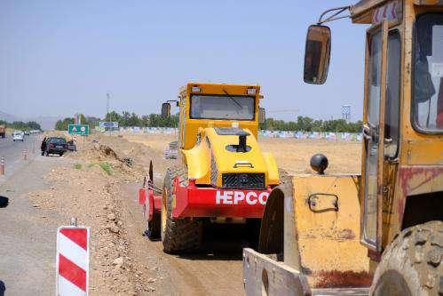 پیشرفت ۵۰ درصدی پروژه دسترسی مسیر بهشت رضا(ع) از طریق آزاد راه شوشتری