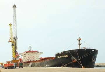 نخستین کشتی حامل آبزیان از بندرچابهار به تایلند ارسال شد