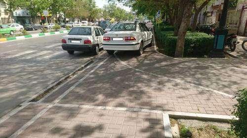 بررسی موانع موجود در مسیر سبز اختصاصی دوچرخه سطح شهر