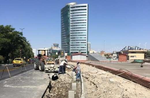 اجرای جدول گذاری پروژه تعریض خیابان در بلوار ۲۹ بهمن