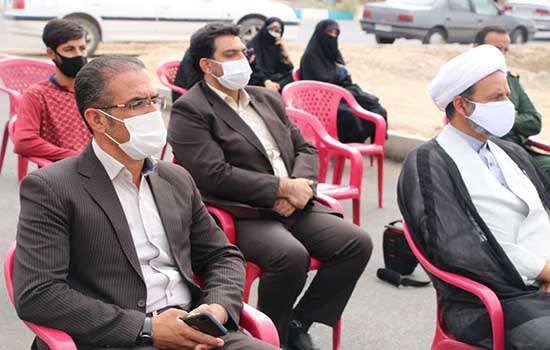 کلنگ زنی ساختمان پروژه اشتغال زایی طرح کرامت در مهریز
