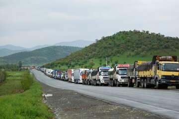 ترافیک سنگین در محورهای چالوس- کرج و قزوین- کرج