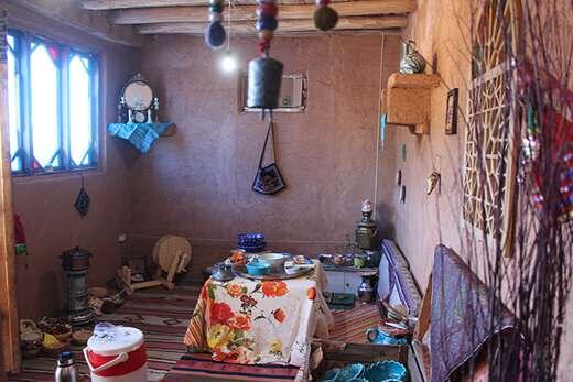 بهره برداری از فضای نوستالژیک خانه روستایی تفرجگاه عینالی