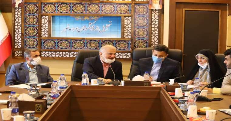 گزارش تصویری تجلیل شهردار ، رییس و اعضای شورای شهر از خبرنگاران پیشکسوت
