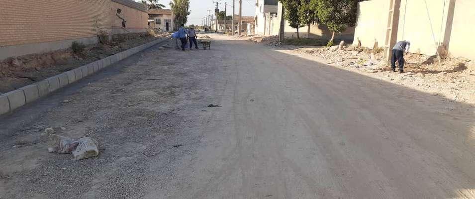 جدول گذاری خیابان صداقت و آماده سازی جهت احداث پیاده رو توسط شهرداری خرمشهر