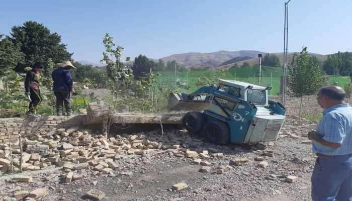 تخریب ساخت و ساز غیرمجاز در حریم رودخانه جاجرود